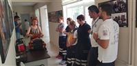 Eğitim öncesi malzeme ve maket tanıtımı yapılarak katılımcılar bilgilendirilmektedir.