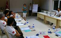 Eğitime başlamadan önce katılımcılarla birlikte sözleşme ve beklentilerin alınması .