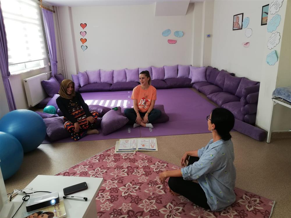 Altınordu Gebe Okulunda Uygulamalı Bebek Masajı Eğitimi Başladı