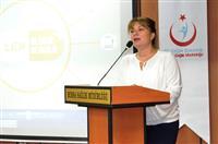 Halk Sağlığı Hizmetleri Başkanı Dr. Esma KUZHAN açılış konuşmasını yapıyor