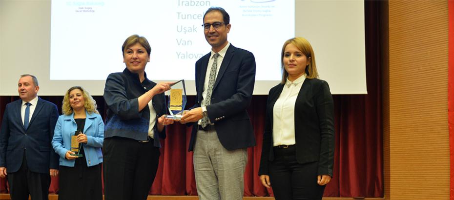 Sinop İl Sağlık Müdürlüğü Altın Bebek Dostu İl ünvanını aldı
