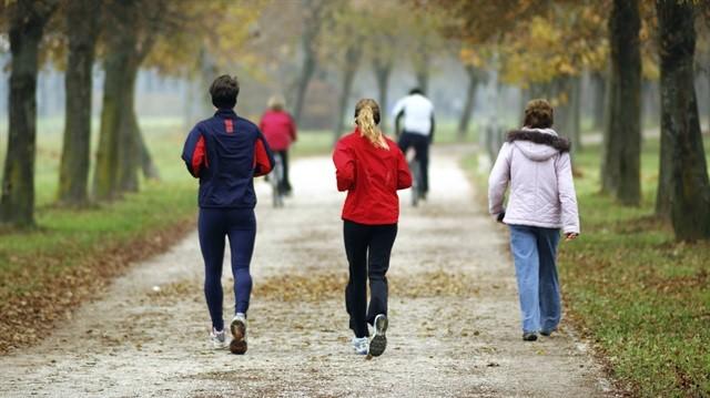 Bel sağlığı demek kaliteli yaşam demek, Her gün spor yap kemik sağlığını koru.