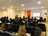 """Bursa İl Halk Kütüphanesi'nde gençlere yönelik """"Psikolojik Dayanıklılık"""" semineri yapıldı."""