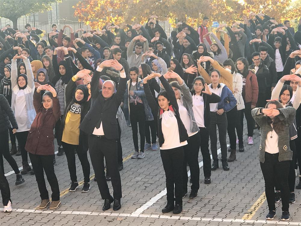 Sağlık Müdürlüğümüz Ve Ahmet Kabaklı Anadolu Lisesi İşbirliği İle  Fiziksel Aktivite Etkinliği