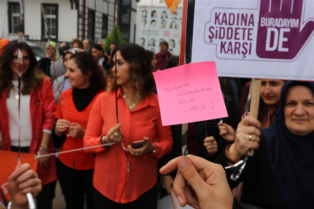 """Kadına Yönelik Şiddetle Mücadele İçin """"Turuncu Balon"""" Etkinliği"""