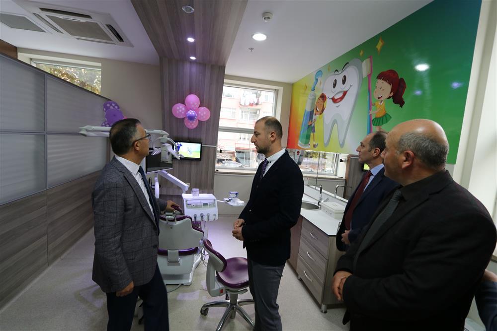 Vali Çeber, Sağlık Kompleksini Ziyaret Etti