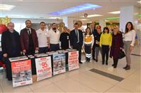 belediyeye ait Acil Sağlık Hizmetleri Başkanı Dr Hüseyin Kaplan ve ekibi stant ve resim sergisini ziyaret etti