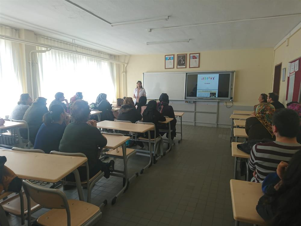 Çan Halk Eğitim Merkezi'nde Zoonotik Hastalıklarla İlgili Eğitim Verildi.