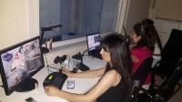 Senaryo esnasında ihtiyaç duyulan bilgilerin verildiği, senaryonun izlendiği ve katılımcılarla  iletişimin kurulduğu kontrol odası