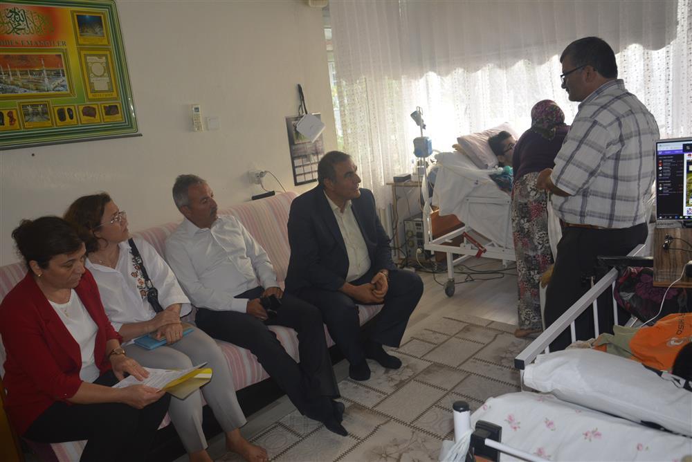 İl Sağlık Müdürümüz Dr.Ali TAŞÇI, DMD Kas Hastası Olan Çocukları Ziyaret Etti.