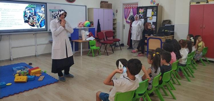 Gürsu İlçe Sağlık Müdürlüğü Yaz Okullarinda Eğitim Verdi