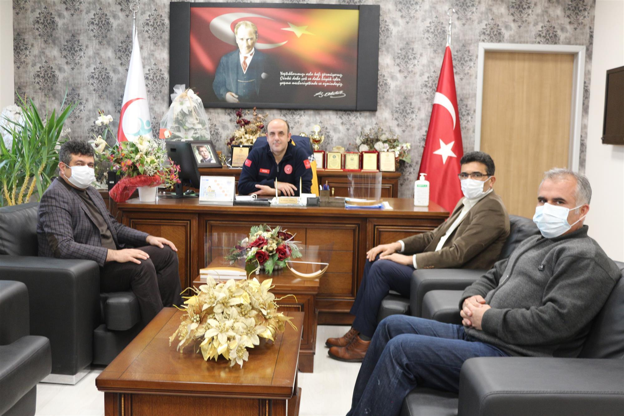 Nevşehir Mesleki ve Teknik Anadolu Lisesi Yüz Siperliklerini İl Sağlık Müdürlüğüne Teslim Etti