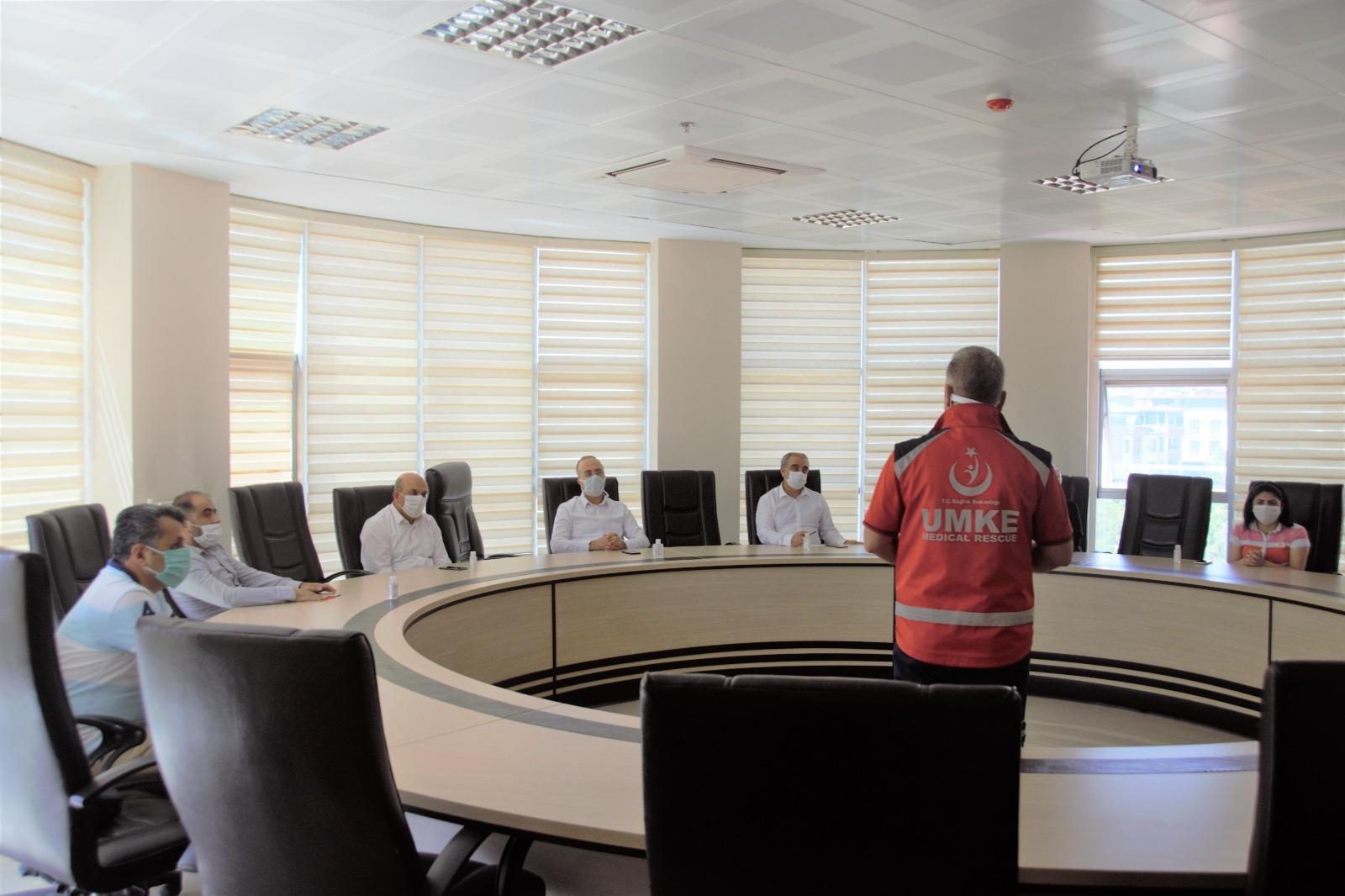İl Sağlık Müdürlüğümüz Tarafından Afet Ve Acil Durum Konulu Değerlendirme Toplantısı Düzenlendi