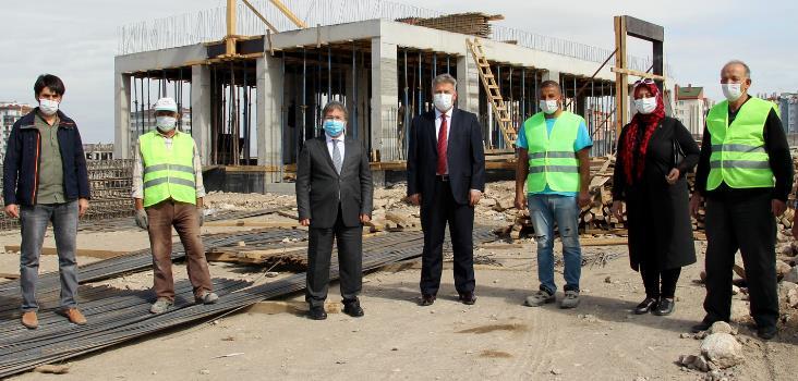 İl Sağlık Müdürü Benli ve Melikgazi Belediye Başkanı Palancıoğlu, Bahçelievler ASM'de İncelemelerde Bulundu