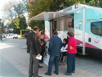 Kestel Kent Meydanında stantta konularla ilgili halka broşür dağıtıldı.