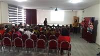 Okulda öğrencilere Akılcı İlaç Kullanımı hakkında sunum yapıldı.