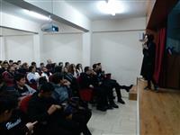 """Havva Aslanoba Mesleki ve Teknik Anadolu Lisesi öğrencilerine Dr. Fatma Betül Akaç tarafından  """"Diyabet"""" konulu eğitim verildi."""