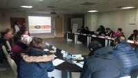 Katılımcılara İnme ve Trombolitik Tedavi hakkında bilgilendirme eğitimi yapılmakta.