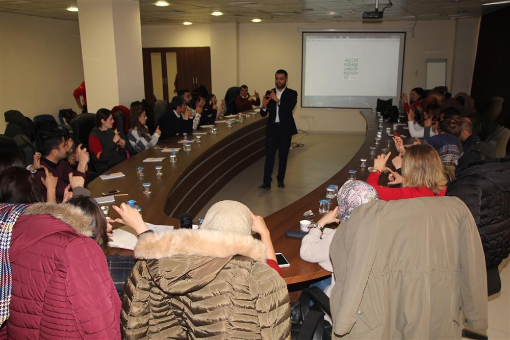 Hasta Hakları Birim Sorumlularına Yönelik İşaret Dili Eğitim (5).JPG