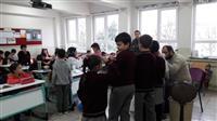 Okulda öğrencilere Ağız Diş Taraması ve Flor-vernik uygulaması yapılıyor.
