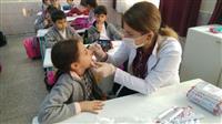 Öğrencilere Flor-Vernik eğitimi veriliyor