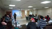 Katılımcılara Aile İçi Şiddetle Mücadele Eğitimi, Etkili İletişim Teknikleri, Stres ve Öfke Kontrolü hakkında bilgilendirme eğitimi yapılmakta.