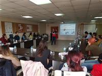 Katılımcılara son test uygulaması yapılmakta