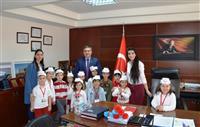 Tüm sağlık çalışanlarının 'Sağlık Haftası'nı kutladılar.