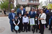 """Yenişehir İlçe Sağlık Müdürlüğü tarafından ilçemizde """"Otizmde Farkındalık Yürüyüşü"""" düzenlendi."""