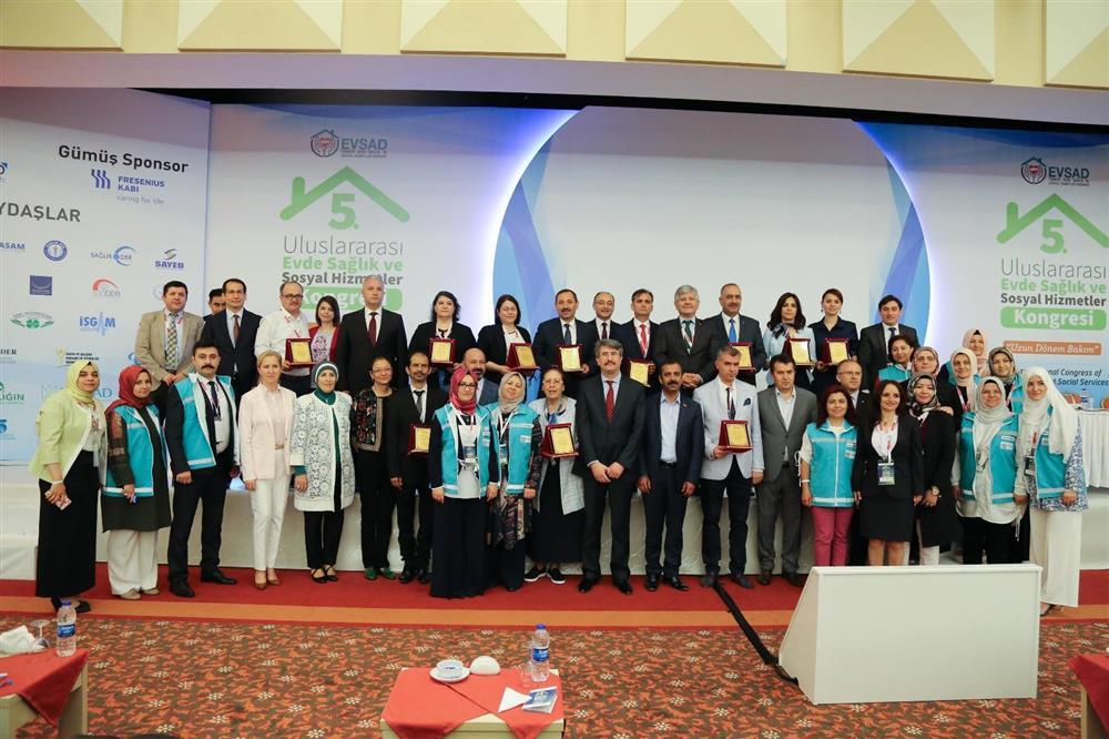Rize evde sağlık uluslararası kongreden ödülle döndü